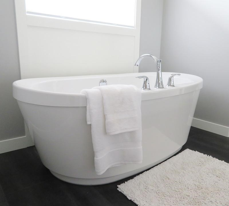 Reasons Why Freestanding Baths are Better than Built-in Baths ...